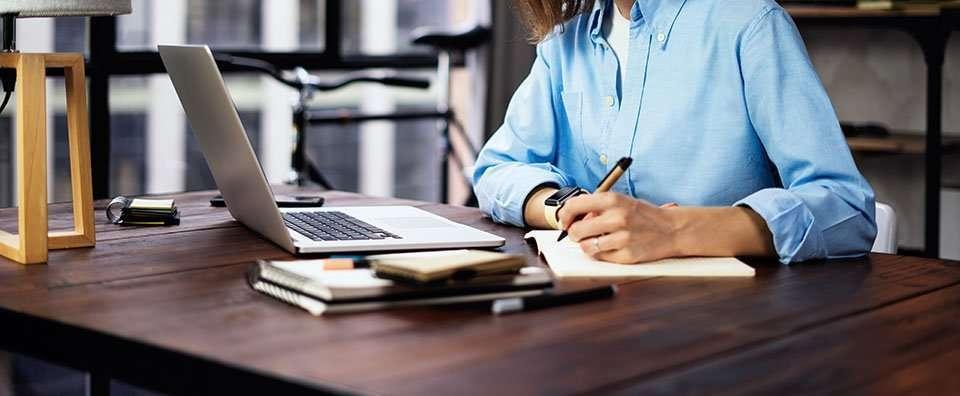 young woman copywriting